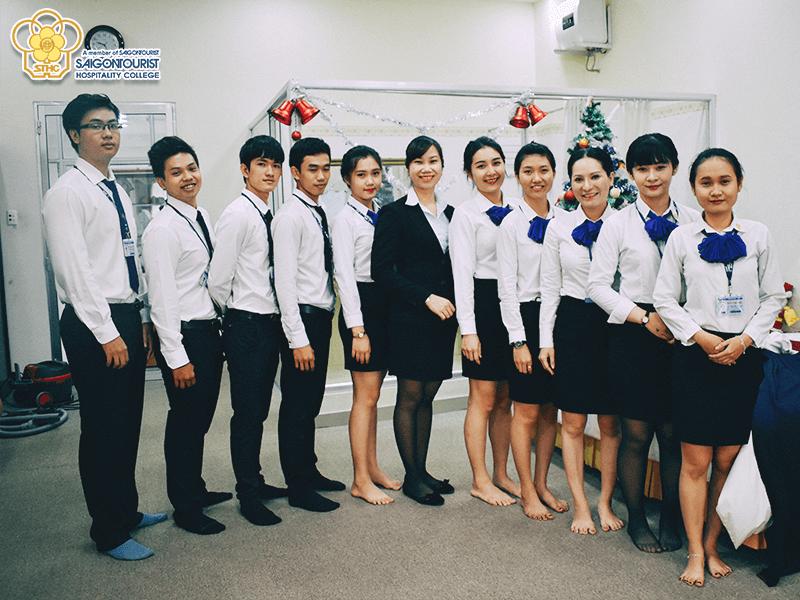 Đồng phục sơ mi trường Saigontourist