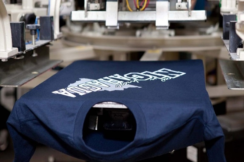 Cách kiểm tra chất lượng mực in trên áo đồng phục-4