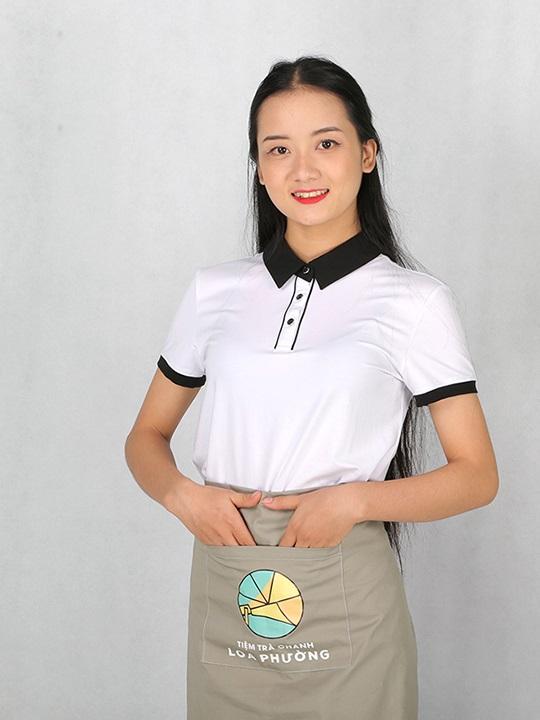 một chiếc tạp dề sẽ khiến chiếc áo phông đồng phục nhà hàng thêm phần lịch sự