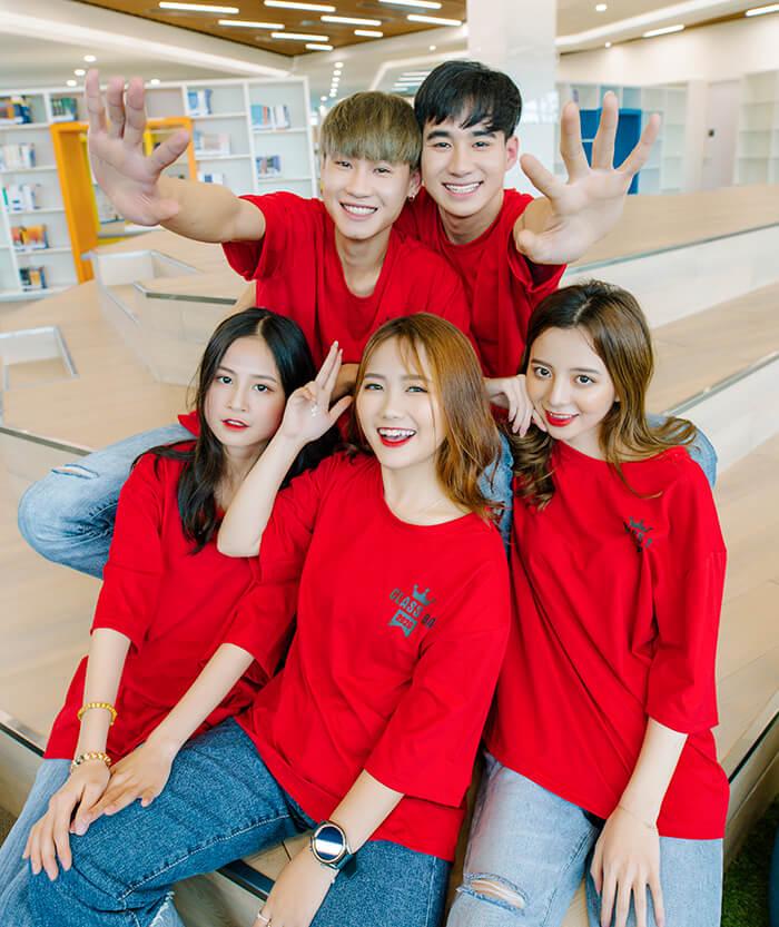 Áo đồng phục màu đỏ