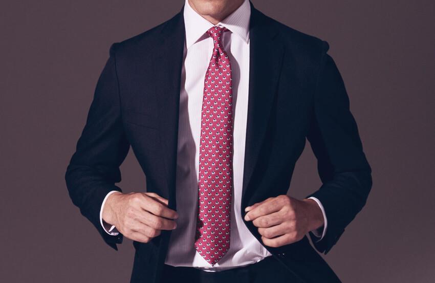 Tư vấn phối áo sơ mi và cà vạt khi mặc áo vest xanh dương
